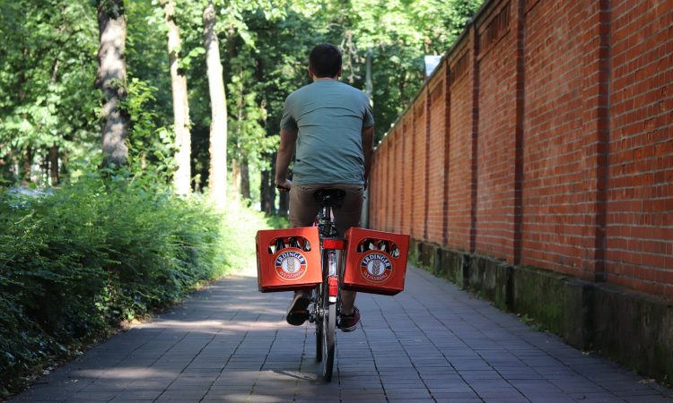 Funcoo: The Beverage Crate Mount for Your Bike