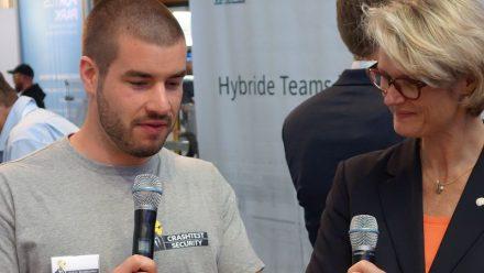 Crashtest Security founder with Minister Karliczek
