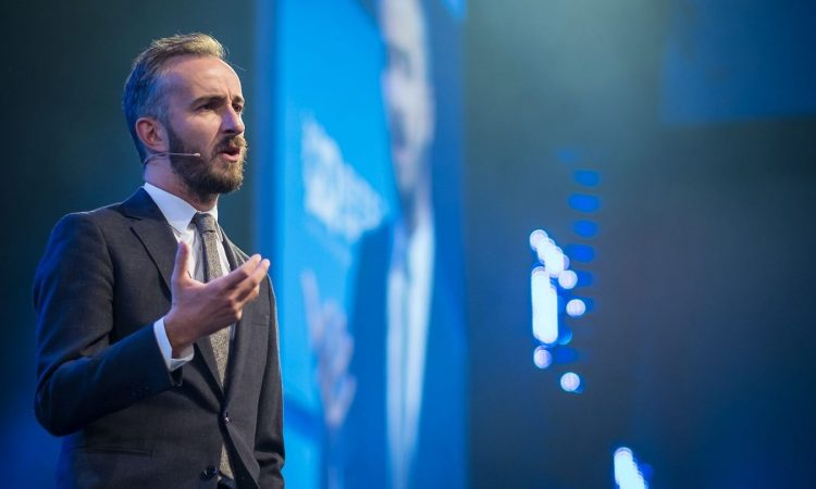 "Jan Böhmermann at Bits & Pretzels: ""There's nothing to gain from the economy except money"""